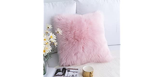 Foindtower Mongolian - Plush Decorative Throw Pillow