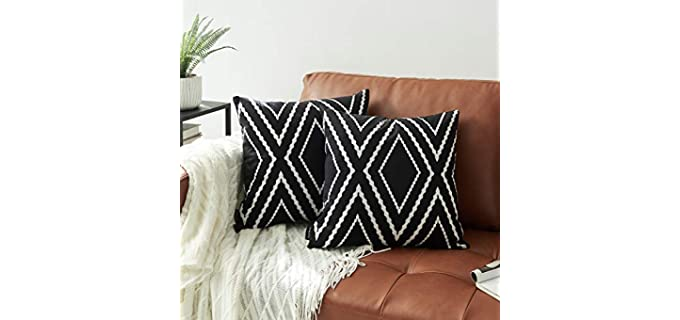 Nestinco Geometric Pattern - Black and White Pillowcases